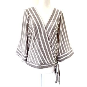 Lucky Brand striped wrap top gray white M #